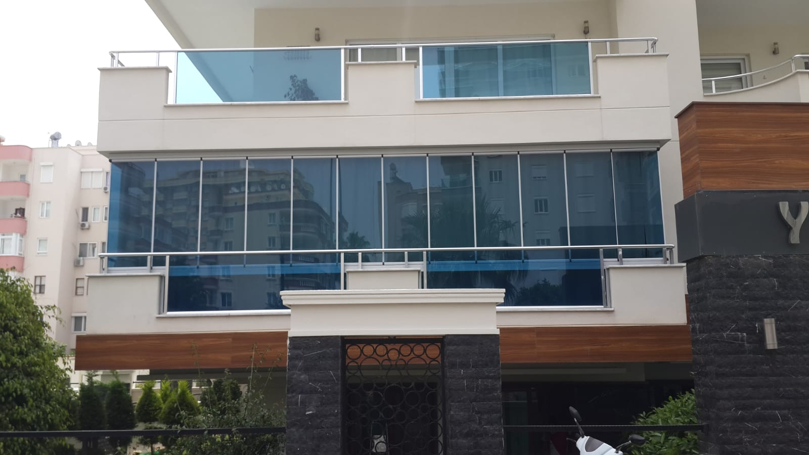 Alanya Glass​ ​Balcony & ​Frameless ​Glazing